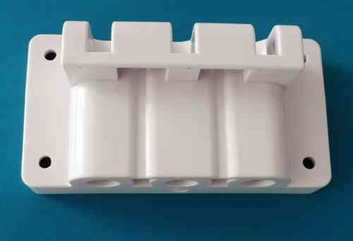 Discharge block for ice cream machine